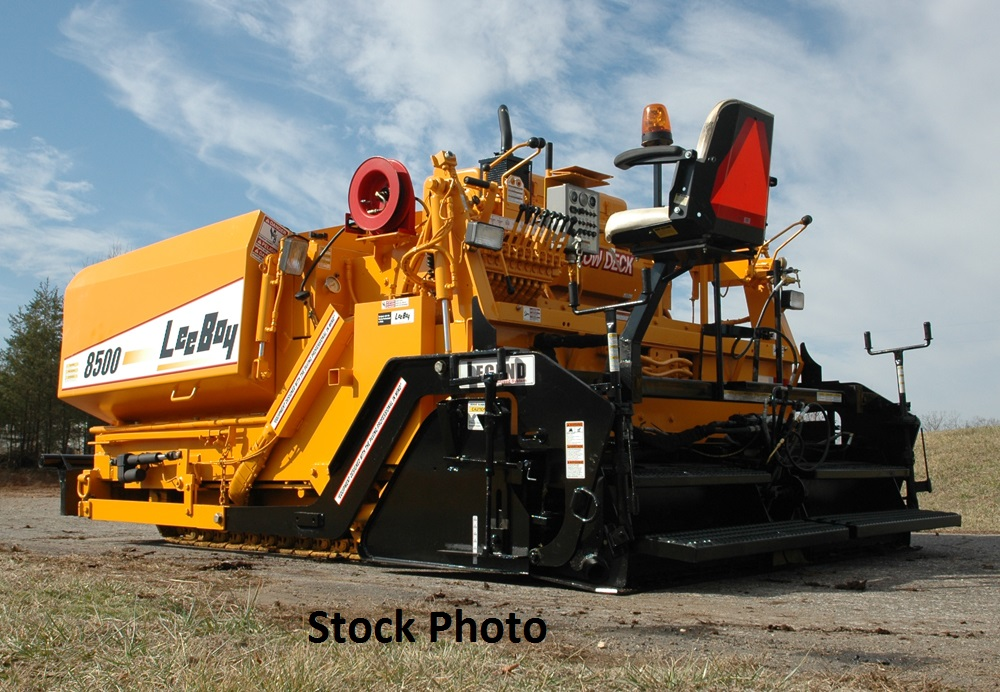 2004 LeeBoy 8500 HD 8′-15′ Legend Screed with Propane Heat