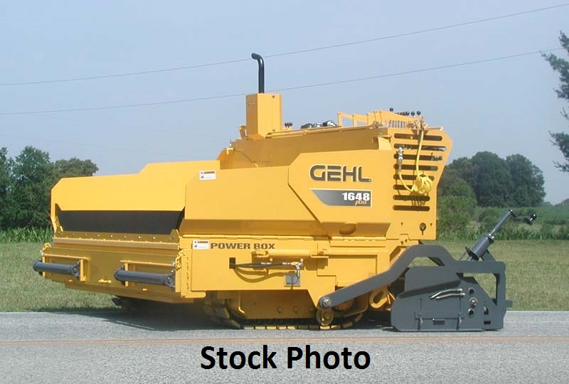 2008 Gehl 1648 Plus Paver with 8′-13′ Screed