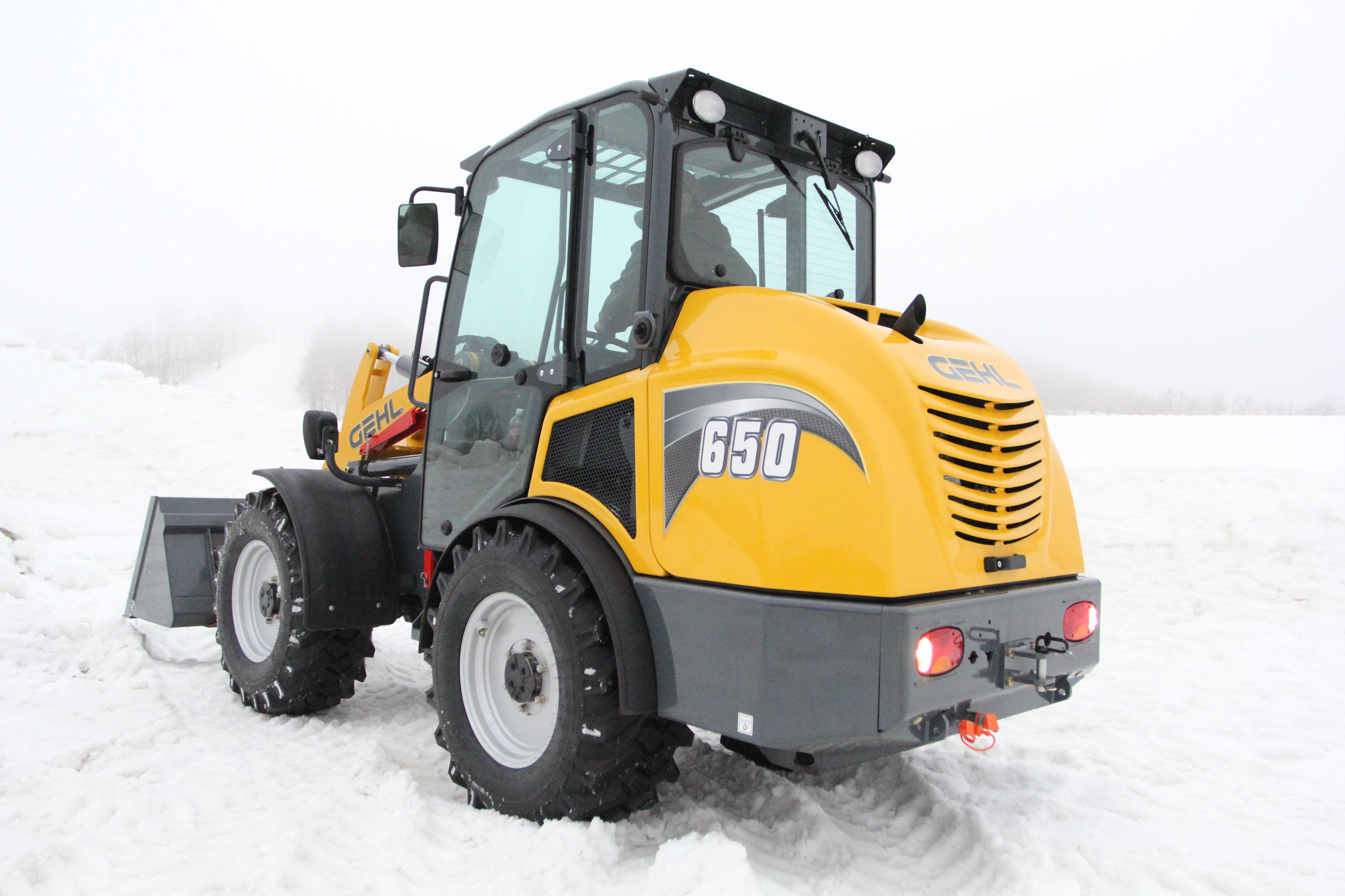 Gehl 650 snow back