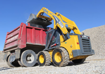 New Gehl V330 Vertical-lift Skid Loader