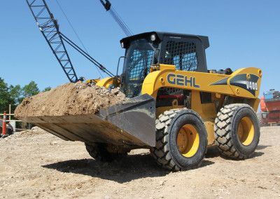 New Gehl V400 Vertical-lift Skid Steer